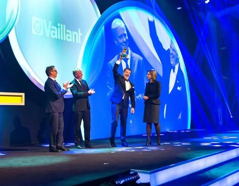 """""""Deutschlands nachhaltigstes Großunternehmen 2015"""" ist Vaillant. Das Heiztechnikunternehmen bietet Schlüsseltechnologien für die Energiewende und kommt in vorbildlicher Weise seiner ökologisch-sozialen Verantwortung nach."""