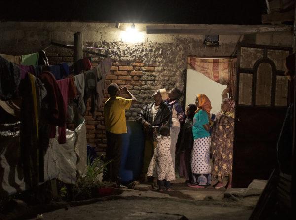 Energiepioniere: Wie ein Berliner Start-up es schafft, mit smarter Innovation die Elektrifizierung in Ostafrika voranzutreiben