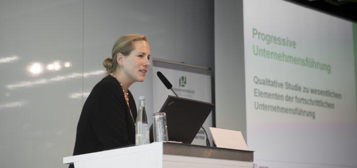 Dr. Reuter ist Geschäftsführerin des Bundesverbands der grünen Wirtschaft, UnternehmensGrün e.V.